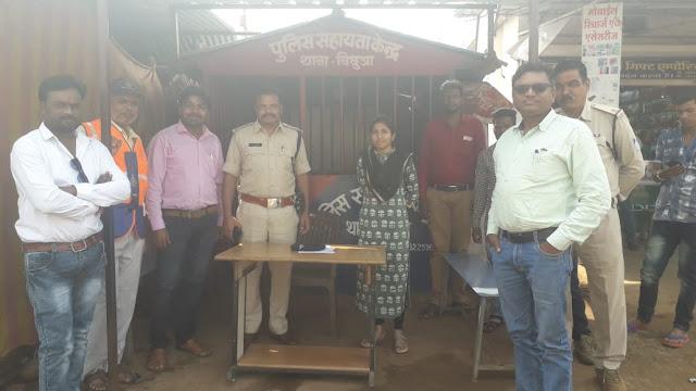 गली-मोहल्ले में तैनात रही प्रशासनिक टीम, गस्ती के माध्यम से लिया शांति व्यवस्था का जायजा   gli mhollo me tenatrhi prashasan ki tim