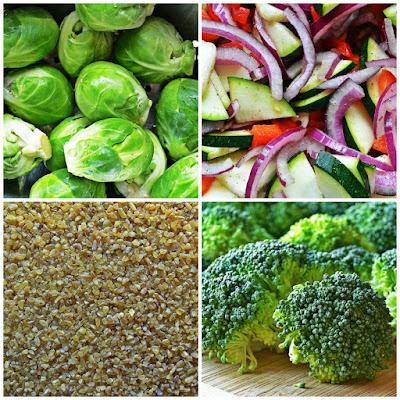 Brukselka, brokuły, bulgur z dodatkiem czerwonej papryki, cebuli, cukinii i przypraw z patelni - składniki