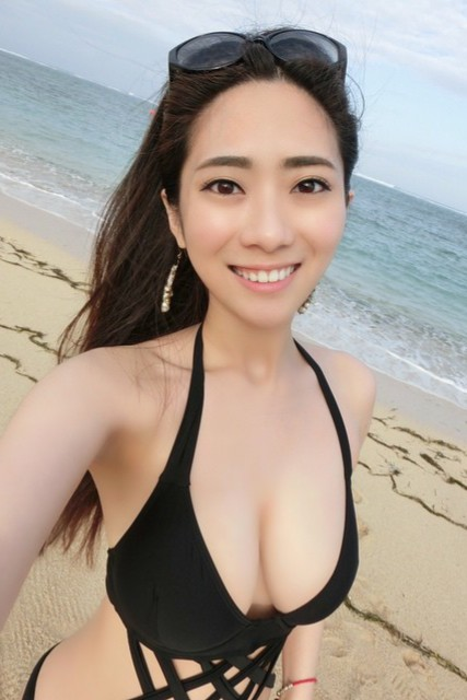 Hot and sexy photos of beautiful busty asian hottie chick Chinese booty model Cady Huang photo highlights on Pinays Finest sexy nude photo collection site.