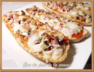 Paninis con champiñones, bacon y queso