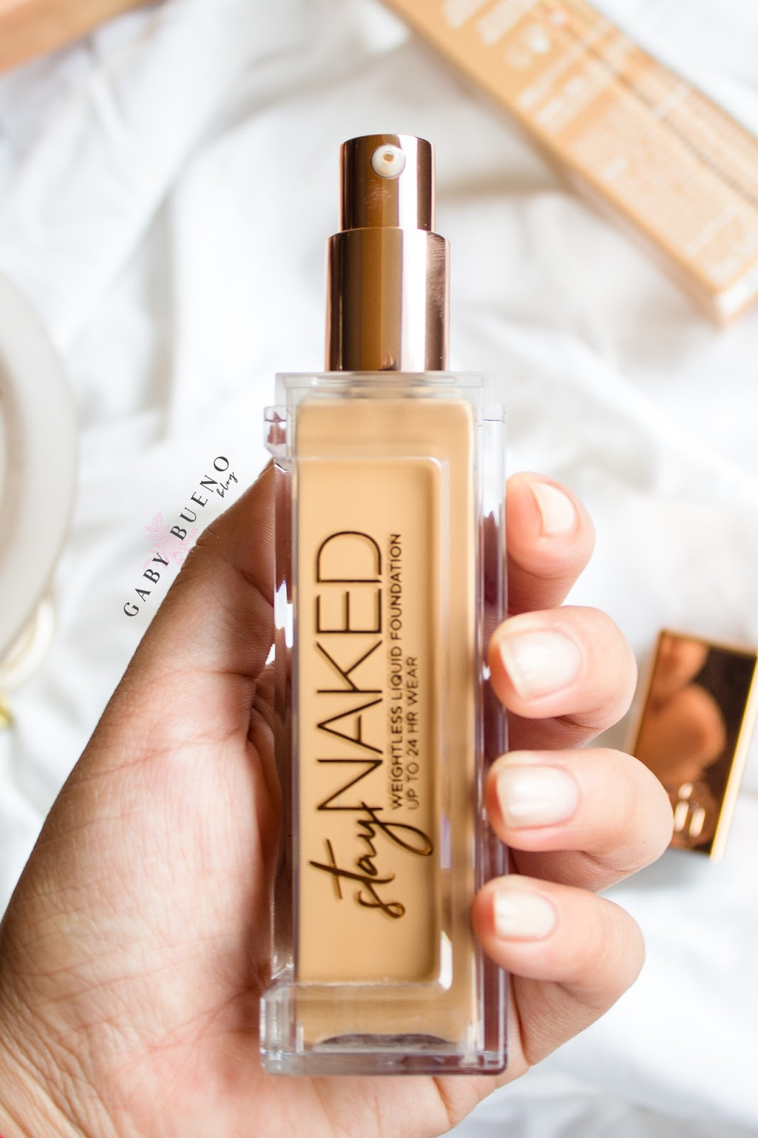 Stay Naked Weightless Liquid Foundation   Urban Decay