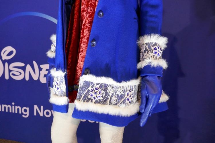 Anna Kendrick Noelle costume detail