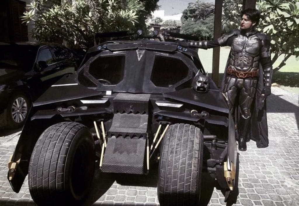 Pakistani Batman builds functional Batmobile : 「ザ・ダークナイト」が好きすぎて、自分でタンブラーを作ってしまったパキスタンのバットマン ! !