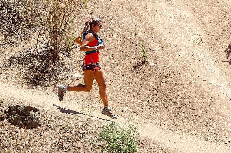Francisca González hace clases de trekking y trail running