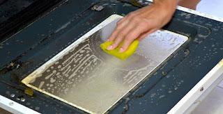 Limpando as peças do fogão sem sofrimento