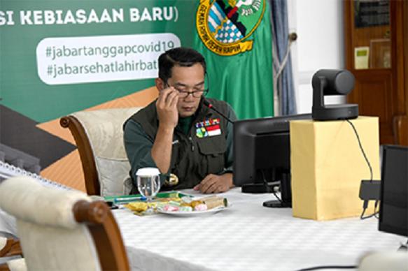 Kang Emil Ajak Kaum Milenial Kembai Ke Desa