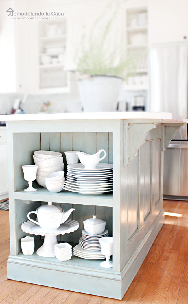 How to brighten your kitchen by painting the kitchen island