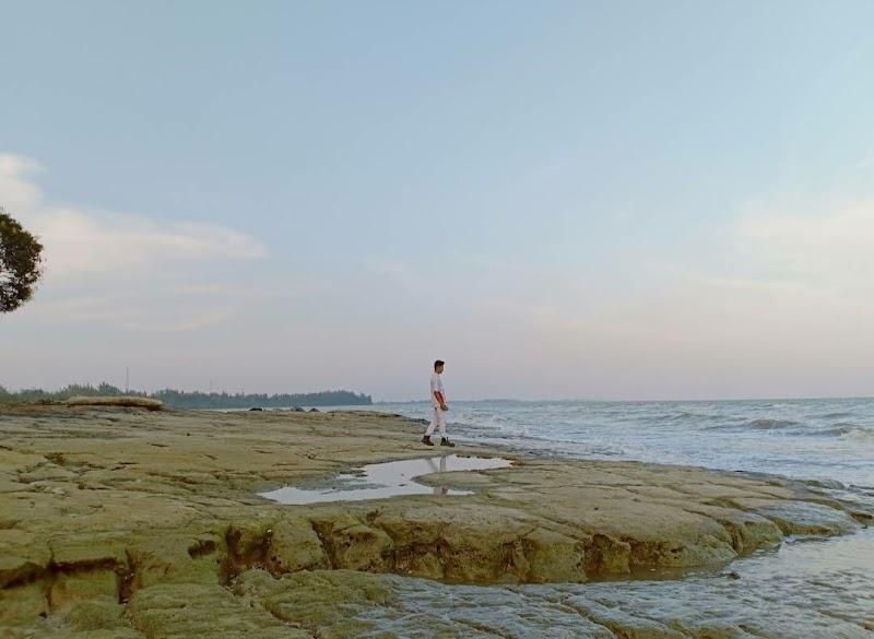 Pantai Madani Tanjung Batu