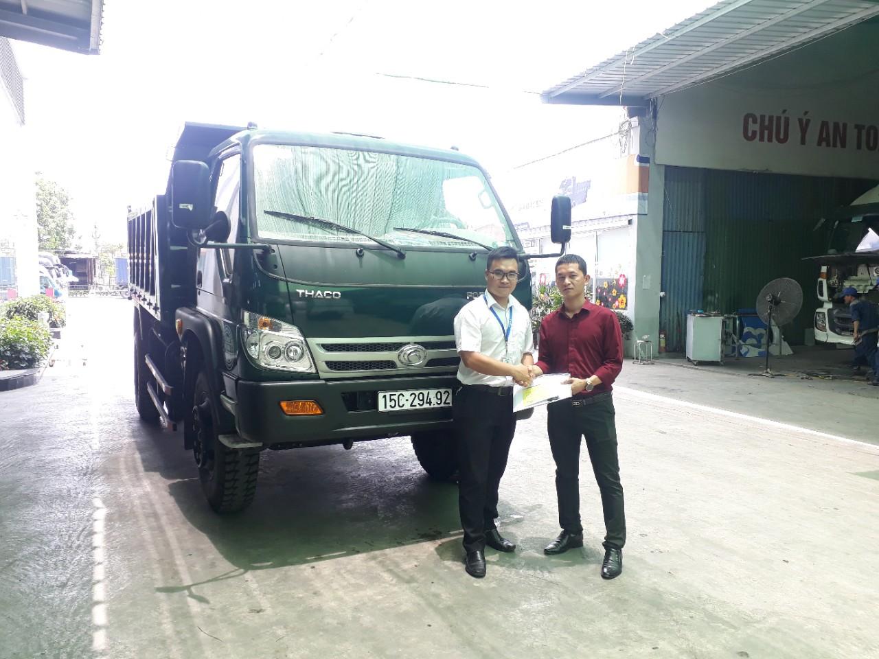 Khách hàng xe ben Thaco FD9000 tải trọng 8 tấn 7 tại Hải Phòng