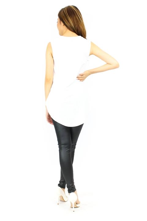 VST671 White