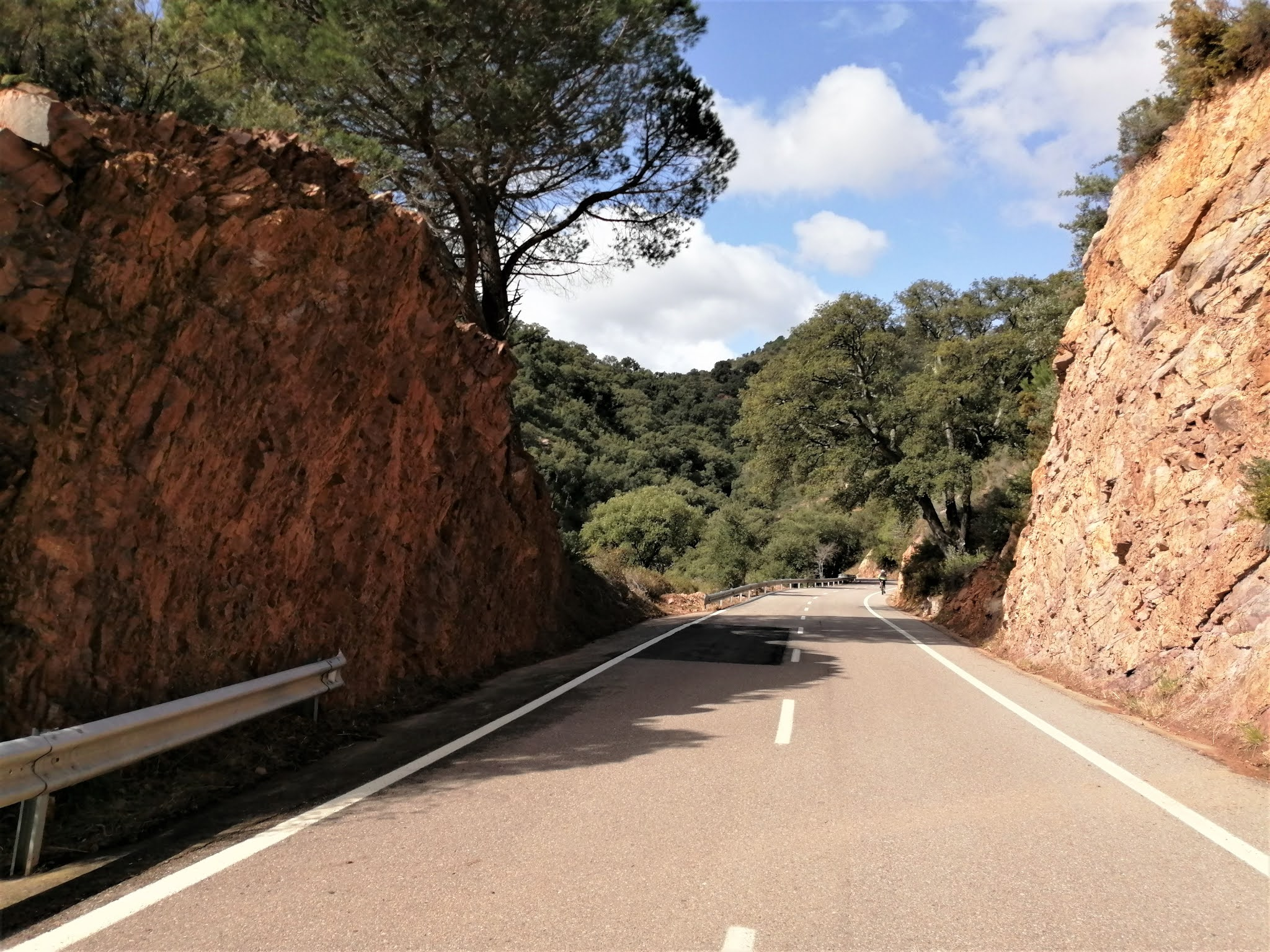 Sandstone flanking the road on the climb of Port d'Eslida, Castellón
