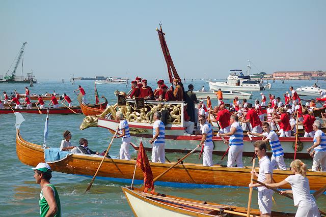 Zásnuby Benátek a moře. Tradice stará tisíciletí, festa della sensa,