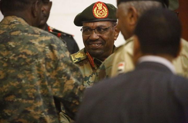 إعتقال 100 شخصية بارزة بعد الإنقلاب العسكري على الرئيس السوداني البشير