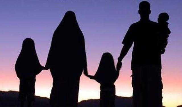 kaum muslimin sadar dan kembali kepada sistem Islam yang diterapkan dalam bingkai Khilafah Islamiyyah yang pernah menjadi mercusuar dunia selama 1300 tahun. Pelindung dan perisai bagi umat Islam, menjaga keamanan, keselamatan harta kekayaan umat, dan pastinya dia akan menunjukkan kepada dunia akan kemuliaan penerapannya dan menghapus opini sesat dan menyesatkan tentang Islam dan kaum muslimin, karena sesungguhnya Islam itu agama yang tinggi dan tidak ada yang lebih tinggi darinya. Karena Allah lah yang akan meninggikan dan memenangkannya meskipun orang-orang kafir membencinya.