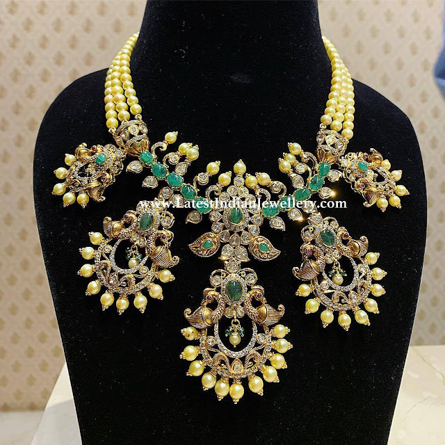 Chandbalis Necklace with Pearls