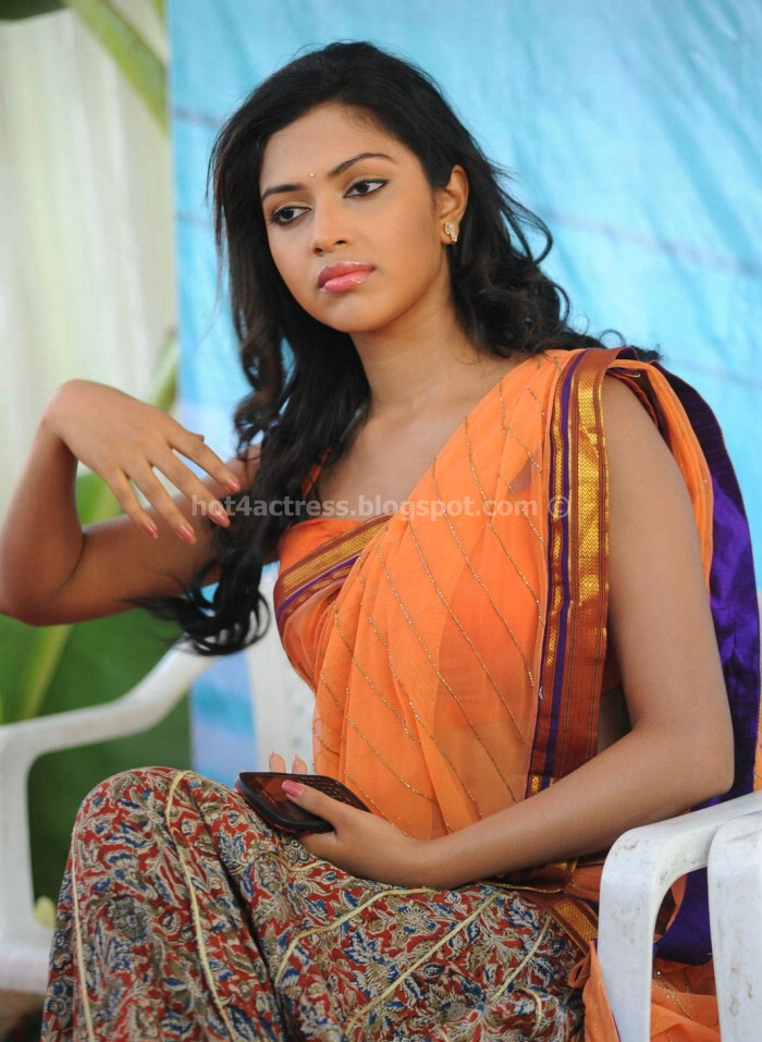 Amala paul half saree pictures Iddarammayilatho Movie launch