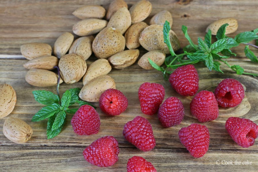 raspberry, frambuesas, almonds, almendras
