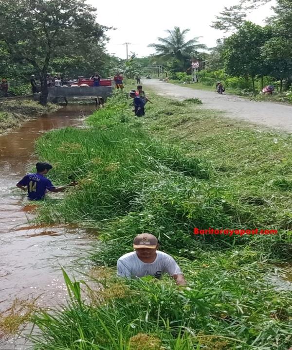 Cegah Banjir, Warga Mantaren Gotong Royong Bersihkan Sungai