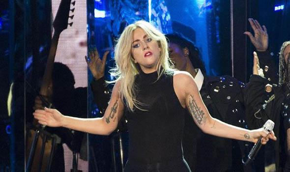 Di Perayaan 50 Tahun Insiden Stonewall, Lady Gaga Berikan Sebuah Kejutan