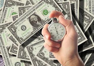 實務上,國內行政機關在審查中低收入戶之資格時,如有發生帳戶認定之金額過高而有資格不符之情況,而當事人又主張實際上特定資金存有借貸或還款之情形,行政機關會要求提出,經公證之借貸契約及清償相關證明以供佐證,此時亦有公證之需求。