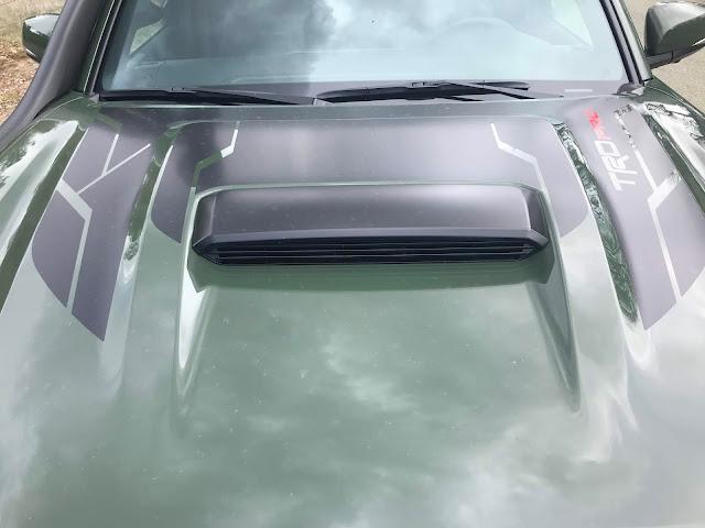 Hood scoop on 2020 Toyota Tacoma TRD PRO