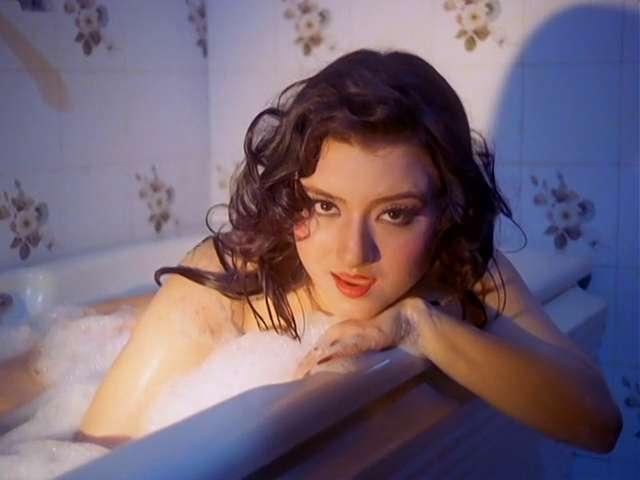 Veerana Jasmine Hot in bathtub