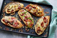 بيتزا مقرمشة | سهلة وسريعة | طريقة البيتزا على الخبز Pizza on toast