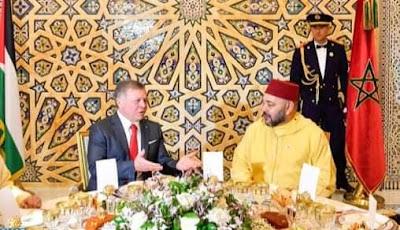 جلالة الملك يشيد بأواصر الأخوة المتينة والتقدير المتبادل بين الشعبين المغربي والأردني