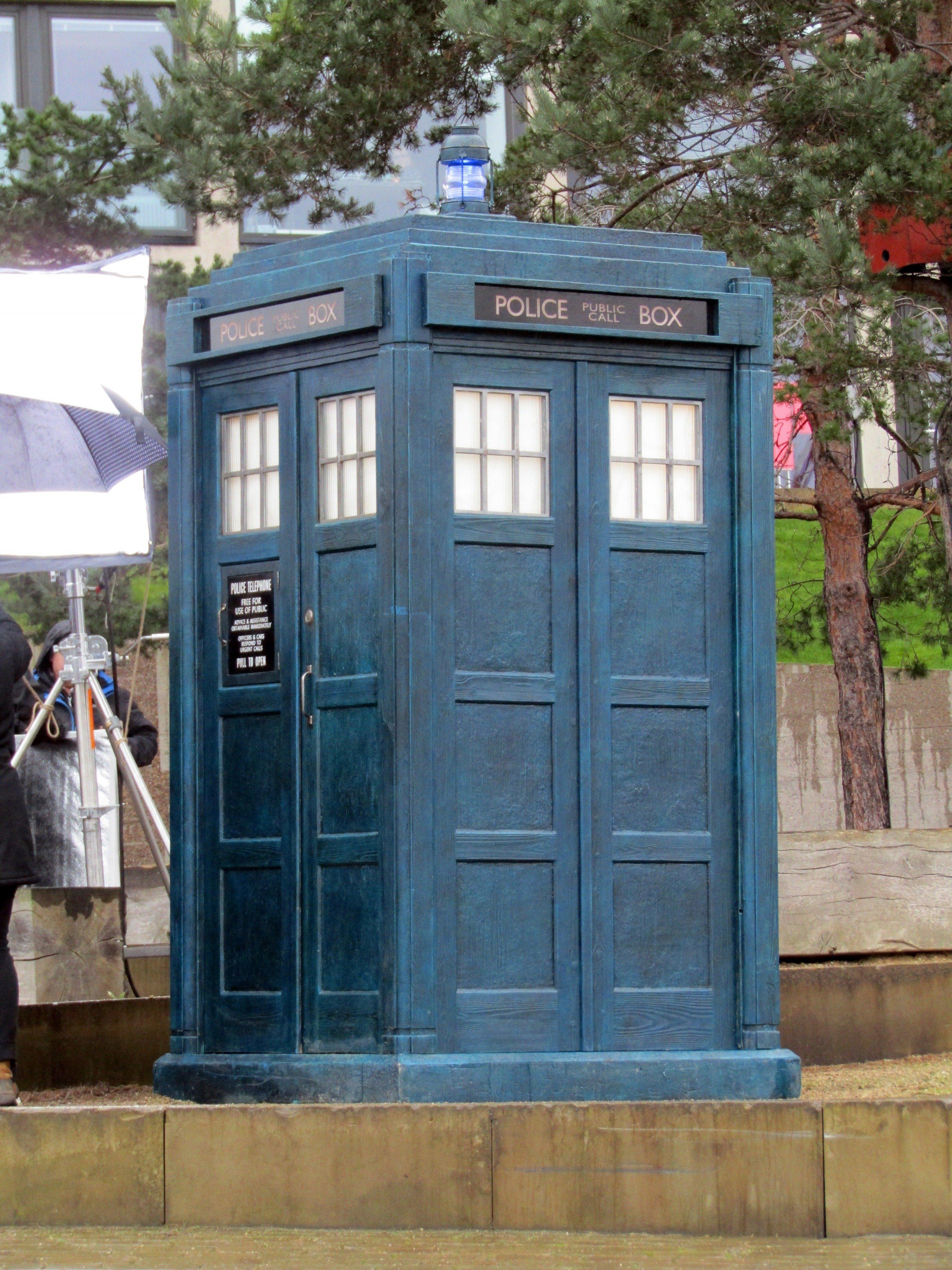 why run to the tardis doctor who season 11 filming