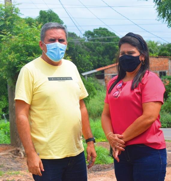Vereadora Nildinha Teles e Secretário de Obras Peres Galvão, visitam vias públicas danificadas pelas chuvas em Chapadinha-MA