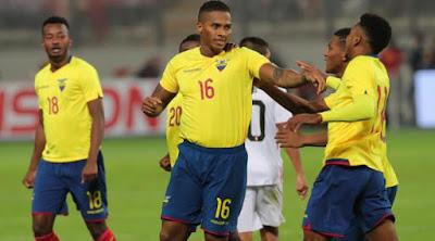ecuador celebrando un gol