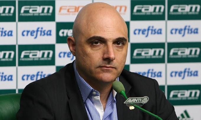 Maurício Galiotte, presidente do Palmeiras, anuncia saídas de Alexandre Mattos e Mano Menezes