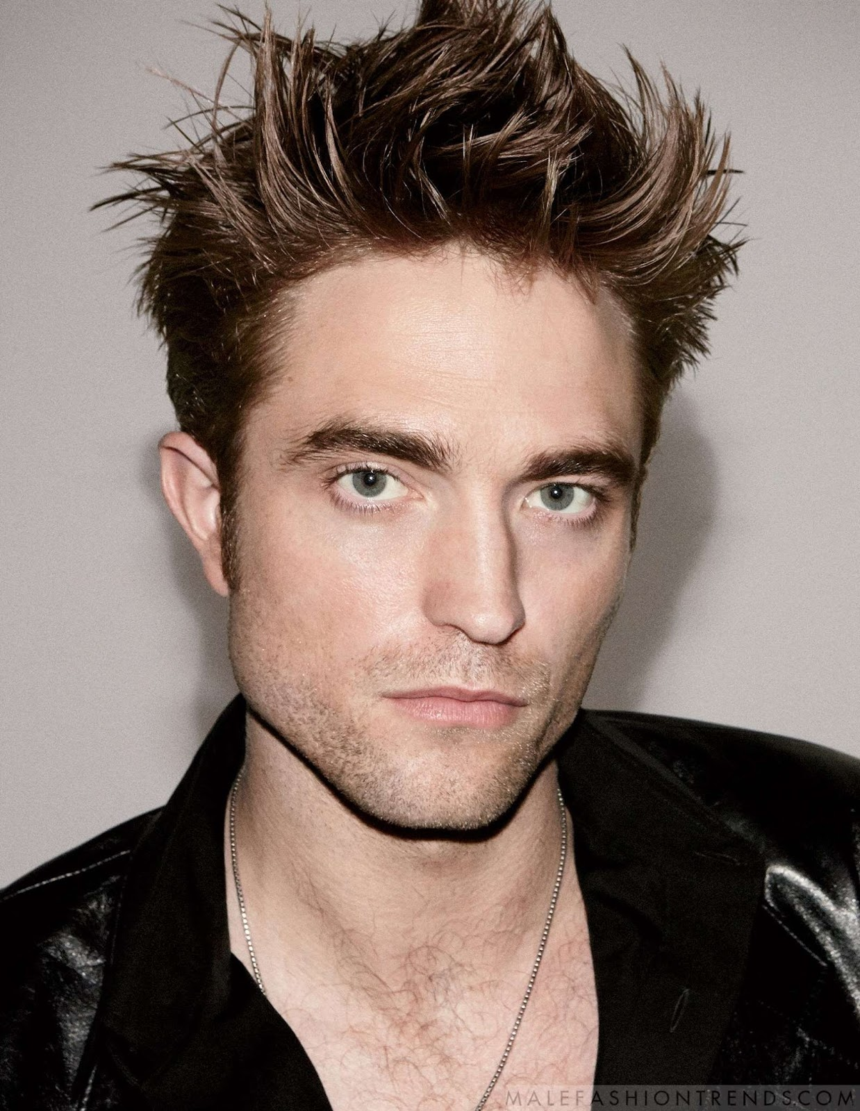 robert pattinson Multiple fans claim they spotted twilight costars and real-life exes kristen stewart and robert pattinson hanging out together irl on february 11th, at edendale, a bar in los angeles' silver lake neighborhood.