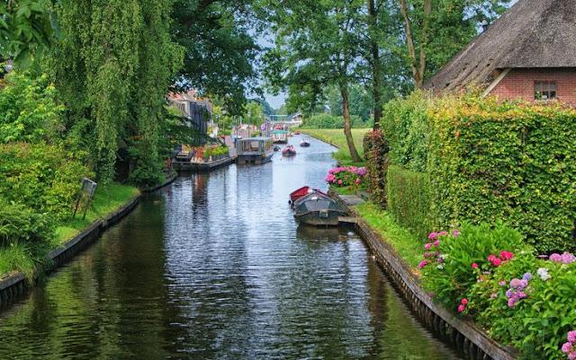 خيثهورن قرية فائقة الجمال في هولندا