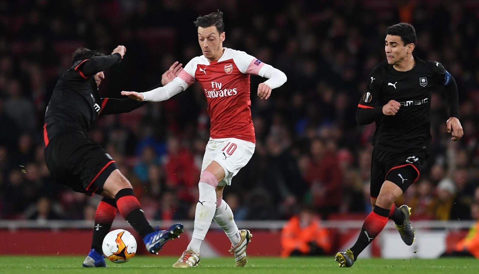 Arsenal Disarankan Lepas Ozil dan Beli empat Bintang baru
