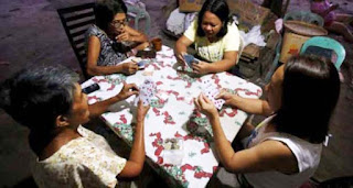 Asyik Judi Hadiah Gula Sekelompok Ibu Ibu Digerebek Polisi
