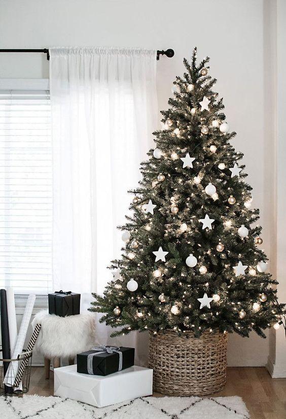 Idéias prá esconder o pé da árvore de Natal