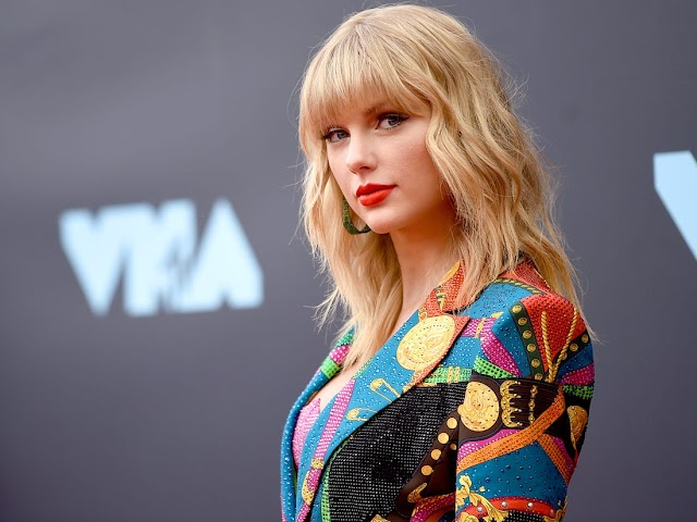Taylor Swift's whole life data? Crush,Married to, Engagement  ,Net worth