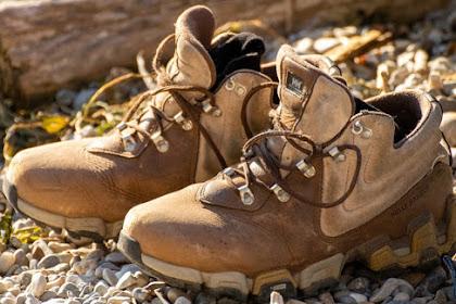 Cara Menentukan Jenis Sepatu Yang Paling Cocok Untuk Mendaki Gunung