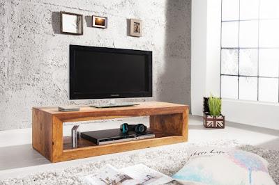 Dreveny stolik pod TV. Nabytok do obyvacky z masivu.