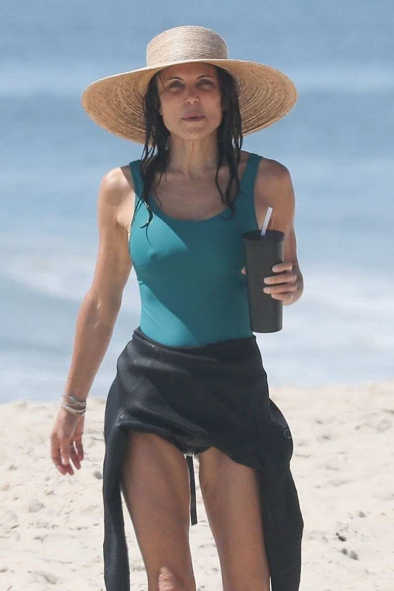 Bethenny Frankel Clicked in Swimsuit at a Beach in Hamptons 1 Aug-2020