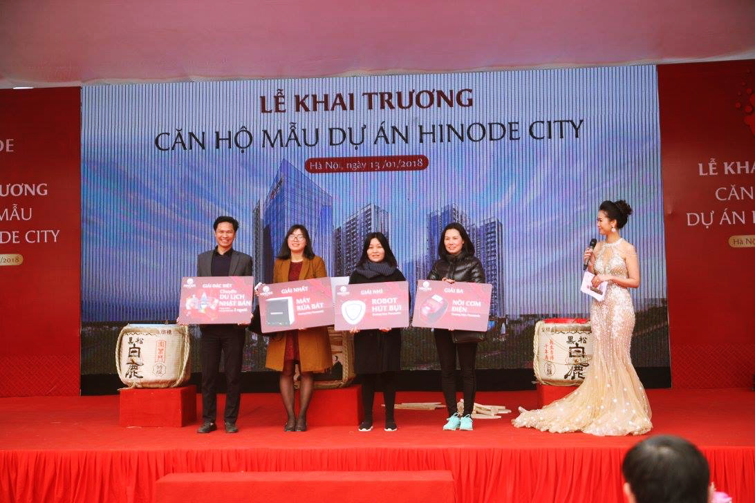 Khách hàng bốc thăm trúng thưởng tại dự án Hinode City