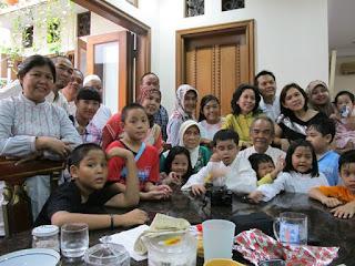 Keluarga Posesif yang sangat berharga