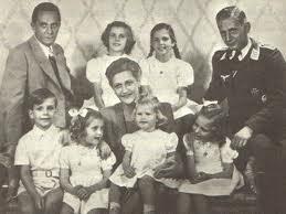 Joseph Goebbels dan Magda Goebbels bersama keluarga