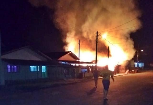 Incêndio destrói marcenaria no centro de Nova Cantu
