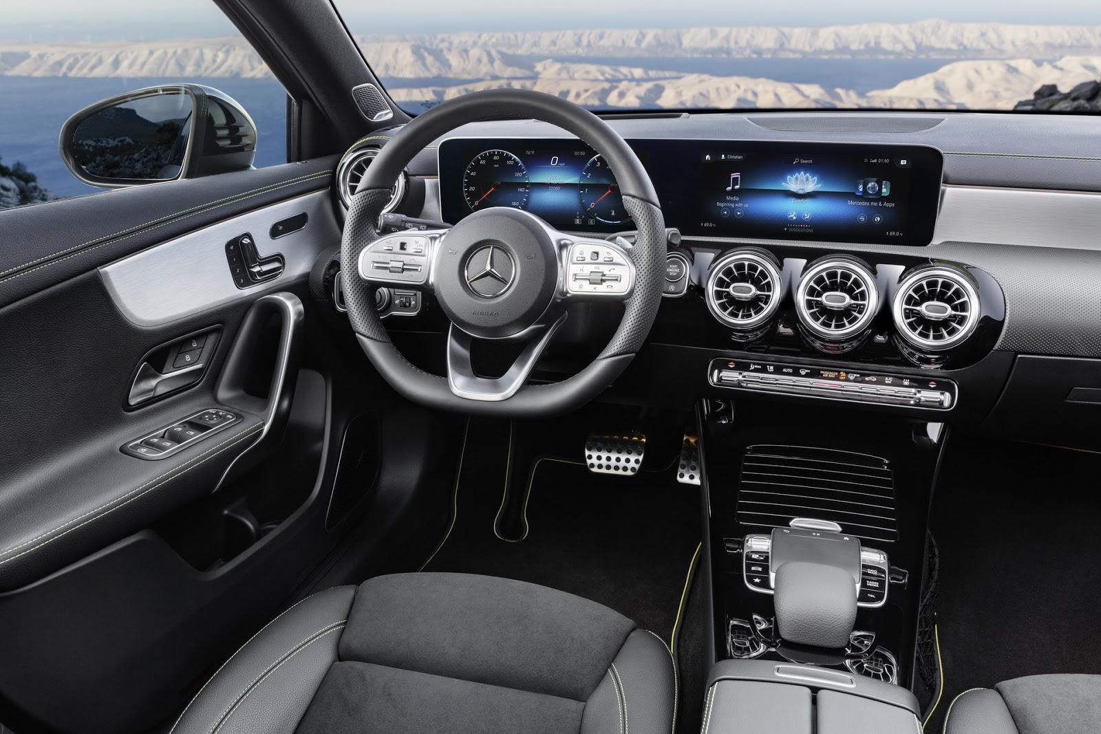 Интерьер Mercedes A-Class