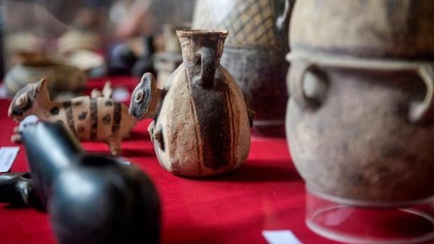 MUNDO: Italia devuelve a Perú dos piezas arqueológicas encontradas en un convento romano.