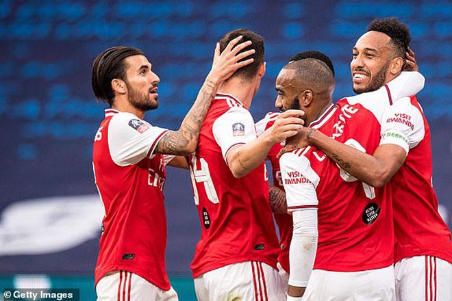 """Video Arsenal - Man City: Cú đúp """"người hùng"""", phản đòn choáng váng"""