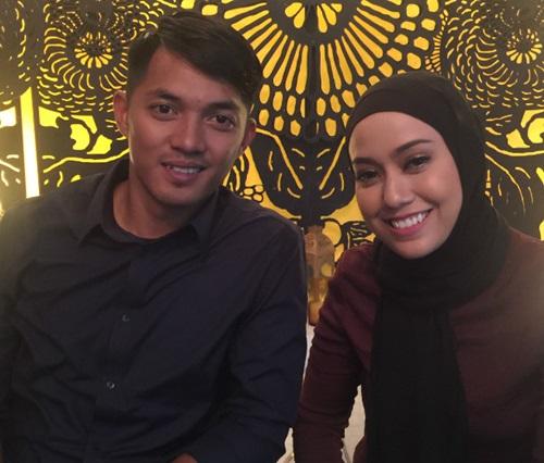 mia ahmad & izham tarmizi nikah 13 januari 2017, perkahwinan mia ahmad dan izham tarmizi, majlis resepsi kahwin mia ahmad, izham tarmizi bakal suami mia ahmad, gambar mia ahmad & izham tarmizi