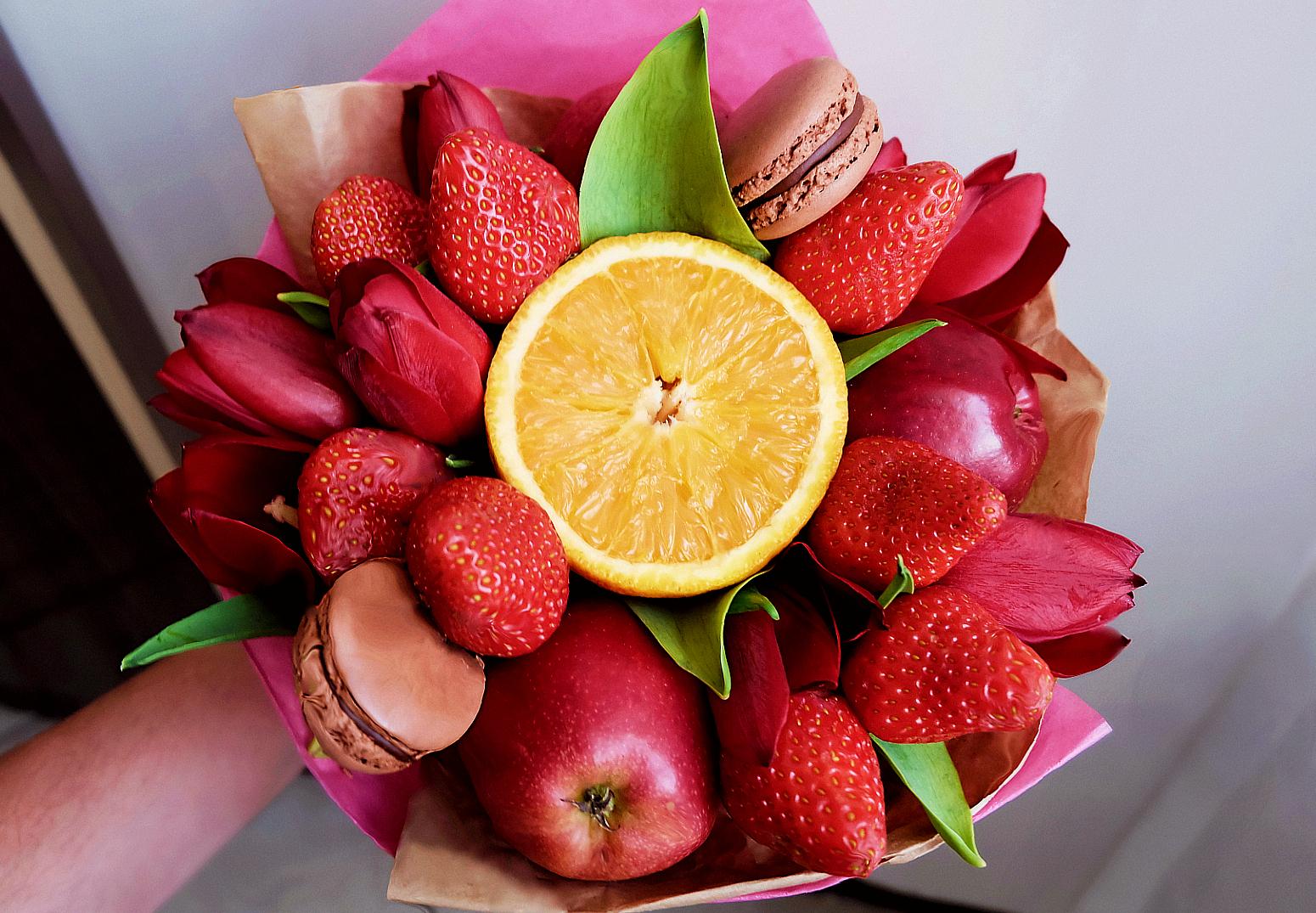 owocowy bukiecik - na czerwono